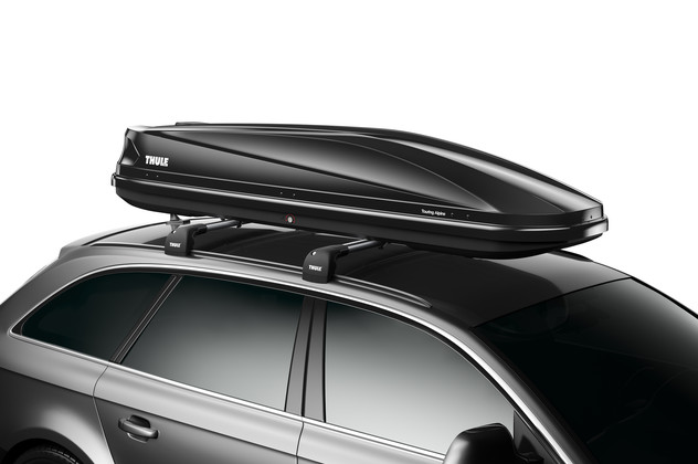 Black roof box Thule Touring 700 on car