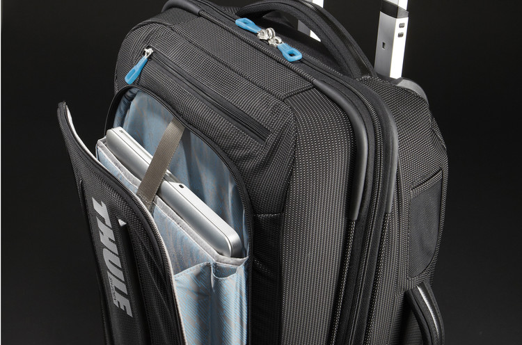 Thule Crossover Rolling 38L Carry-On