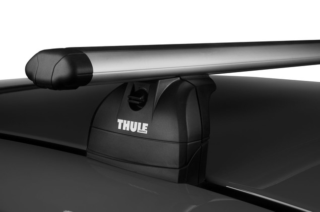 Thule Rapid Podium Foot Pack 460R on car